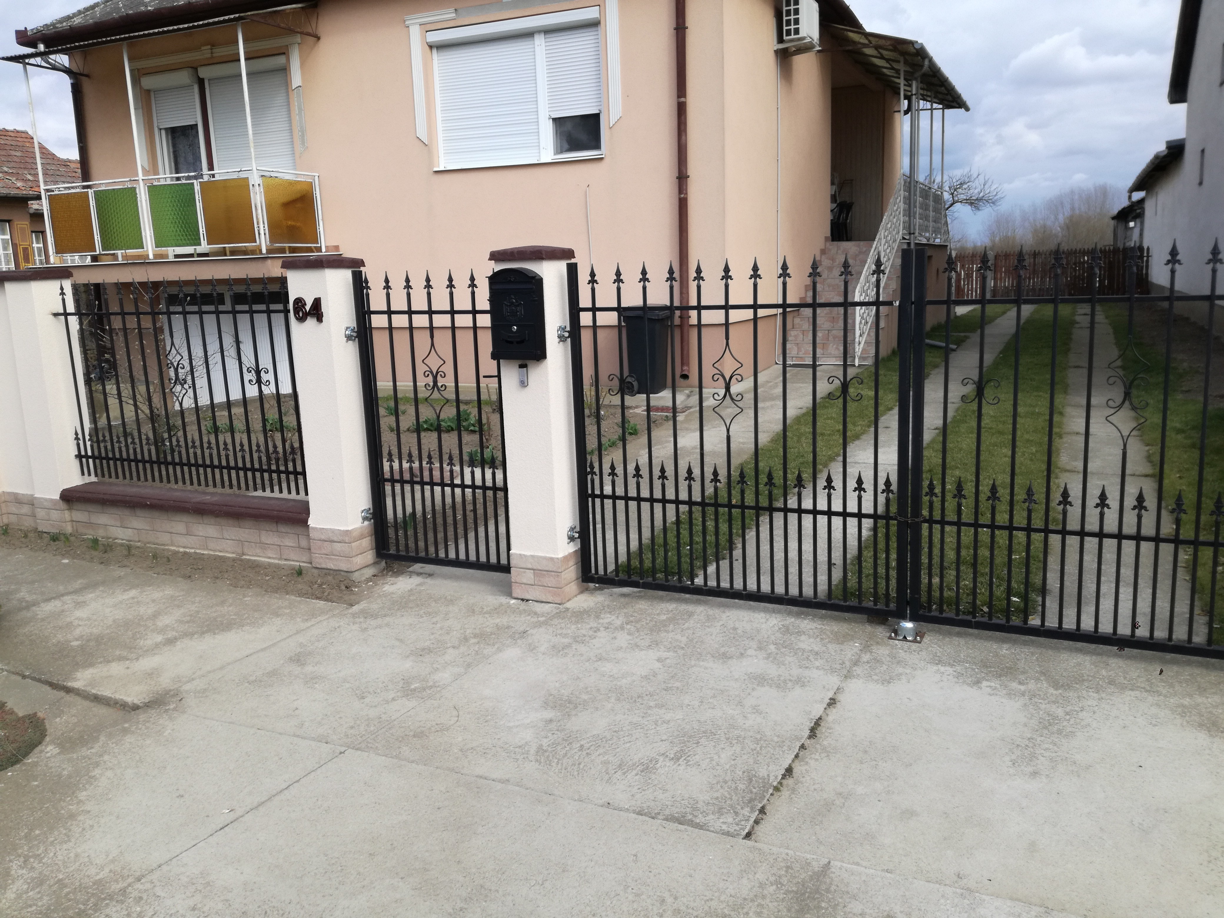 praktiker, obi,olcsó kerítés,kapuáruház,debrecen.kapuk,vas kapu eladó